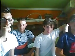 Italian Cute Friends Shows Their Round Butts On Cam