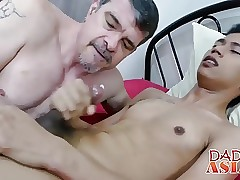 Perv Daddy likes tickle Idol and to be stuffed in his ass