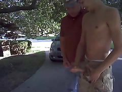 Jerking on the street!