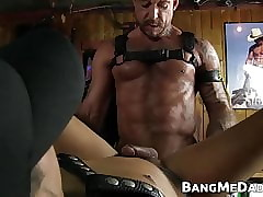 Muscular macho daddy bareback pounding sub bottom