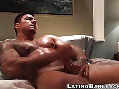 Latin Hunk with huge bulging muscles wanks off on camera