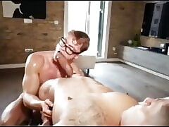 Guy in Glasses gets gaint cock