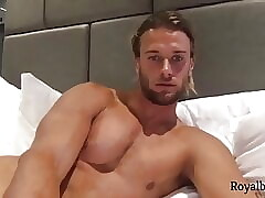 Pretty Blonde Gay Camshow