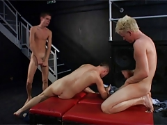 BB british threesome with twinks