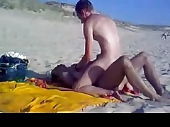Bareback fuck on the beach
