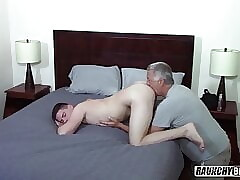 Virgin Gay 4 Pay Teen Gaping For Daddy Bareback